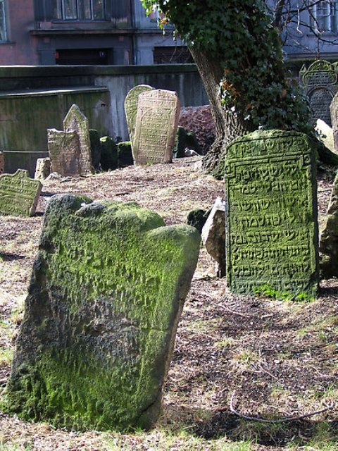 work_1853769_3_flat550x550075f_the-old-jewish-cemetery-in-josefov-the-former-jewish-ghetto-of-prague.jpg
