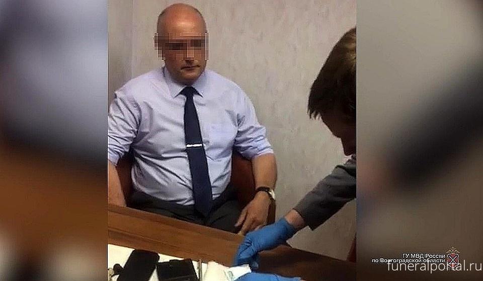 В Волгограде отправили в суд дело патологоанатома, который подменял органы и диагнозы умерших - Похоронный портал