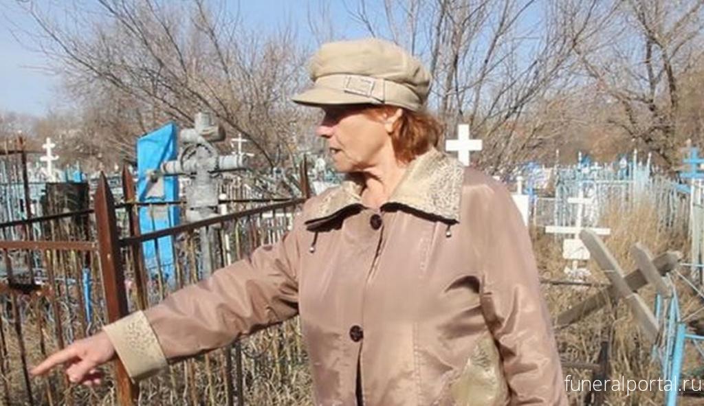 Петрозаводчане пожаловались на воровство столов и скамеек на кладбище: «Ни стыда, ни совести!» - Похоронный портал
