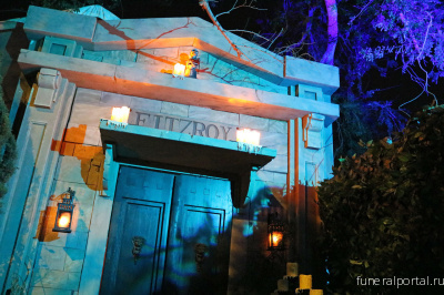 How Two Friends Rebuilt a Huge Haunted House in Just Two Weeks - Похоронный портал