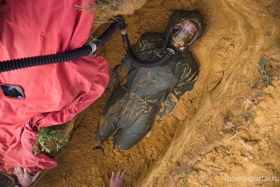 «Только откопать не забудьте»: в Челябинске появилось новое экстремальное развлечение — закапывание людей заживо