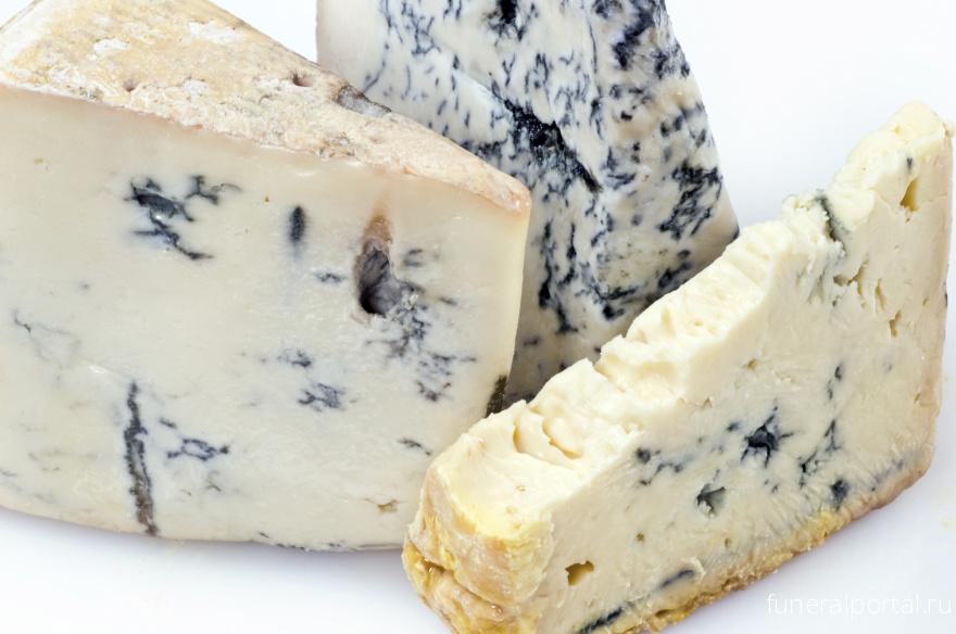 Привет из Франции: польза и вред сыра с плесенью (и за что мы его так любим)