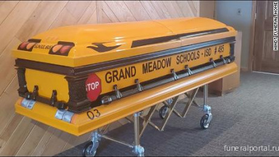 A man who drove a school bus for 55 years will be laid to rest in a school bus casket - Похоронный портал