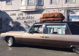 Have You Seen a Hearse With a Giant Hot Dog on Top Rolling Down Burnside? One Day, It'll Sell You Bratwursts - Похоронный портал