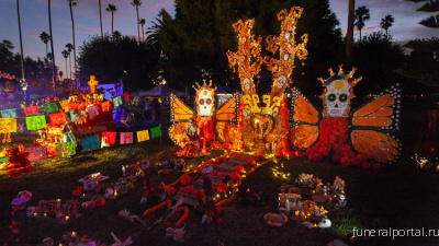 The most astounding altars and costumes from Day of the Dead at Hollywood Forever 2019 - Похоронный портал