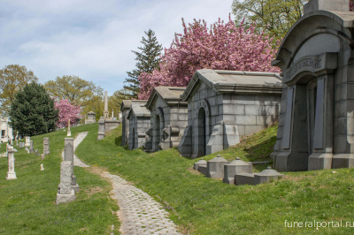 Historic Green-Wood Cemetery Is on the Hunt for an Artist for New Residency Program - Похоронный портал