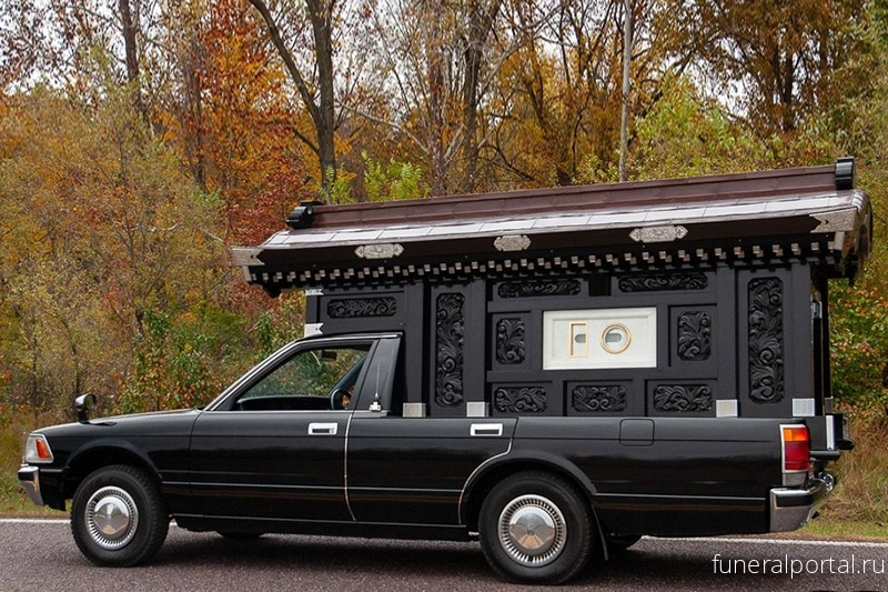Японский катафалк 1991 Toyota Crown Hearse